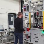 Maszyna montażowa do skręcania automatycznego